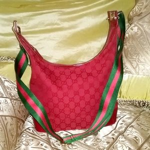 GUCCI RED GG CANVAS/PATENT LEATHER SHOULDER BAG